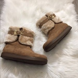 NWOB G by Guess Aussie Faux Fur Cold Weather Boots